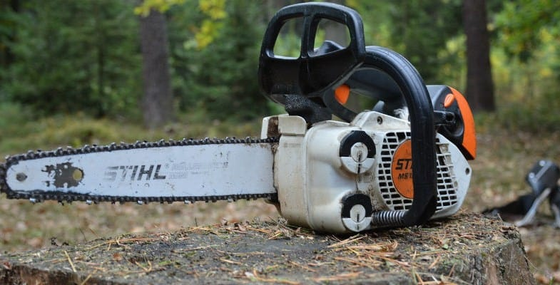 Chainsaw maintenance guide - Step by step instructions