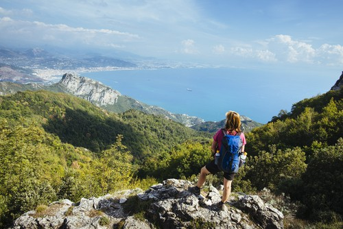 Daypacks for hiking - features to look out for