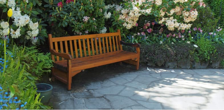 10 Best Garden Benches – Wooden, Steel and Plastic Models Reviewed
