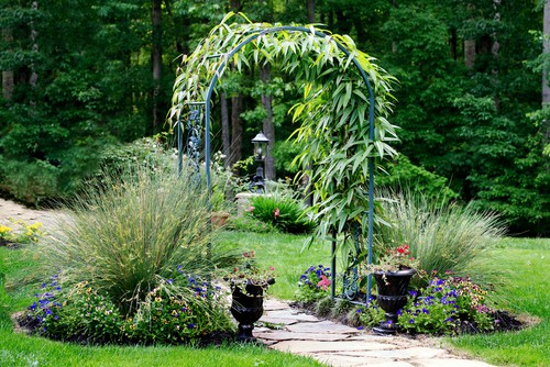 Garden-arch-over-path-between-two-lawns