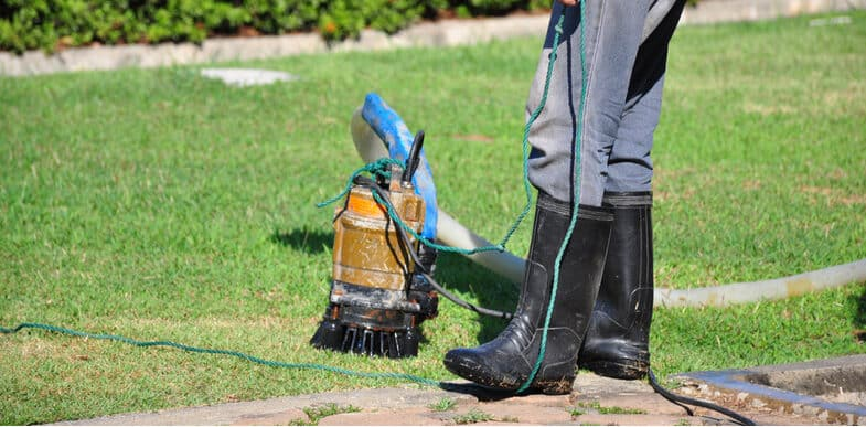 5 Best Flood Sump Pumps For Removing Dirty Water, Emptying Ponds and Removing Flooded Water