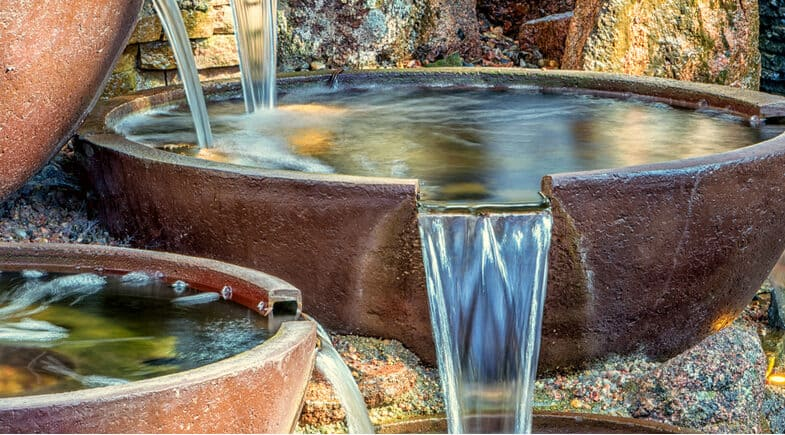 8 Best Self-Contained Water Features – Comparison & Reviews