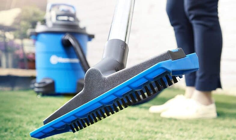 5 Best Artificial Grass Vacuums and Brushes